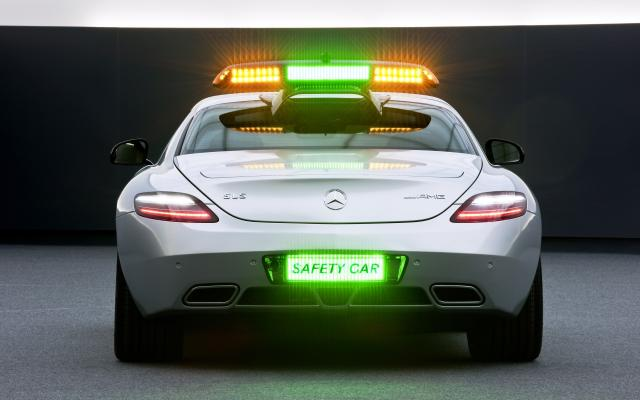 2010 F1 Safety Car SLS AMG 01