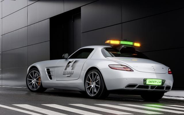 2010 F1 Safety Car SLS AMG 07